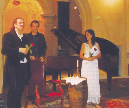 Photo below – Theatre event – Letters of Marie Bashkirseff to Guy de Maupassant, written by Frédéric Rey (left)