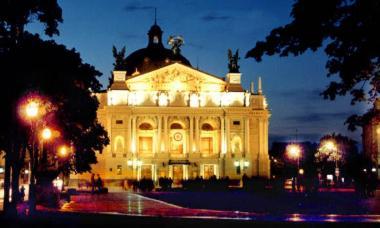 lviv_opera2.jpg